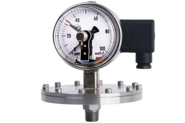 đồng hồ áp suất xuất tiếp điểm relay