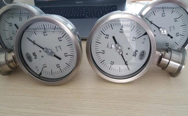 đồng hồ đo áp suất georgin