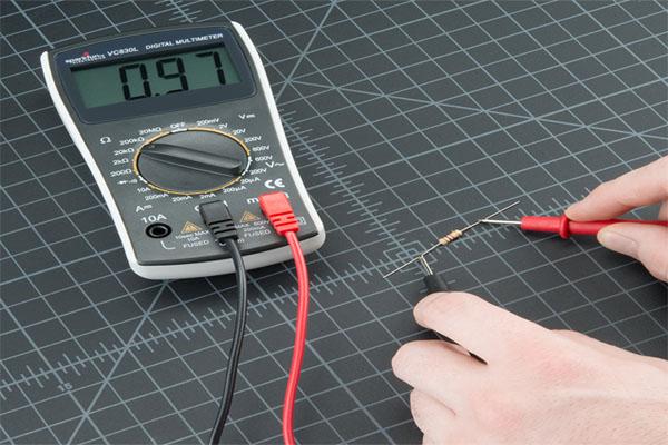 kiểm tra điện trở sống hay chết bằng đồng hồ vạn năng