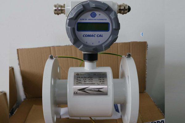 Đồng hồ đo lưu lượng điện tử dn50